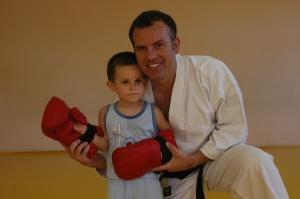 Rogelio Sensei junto a su hijo Roberto